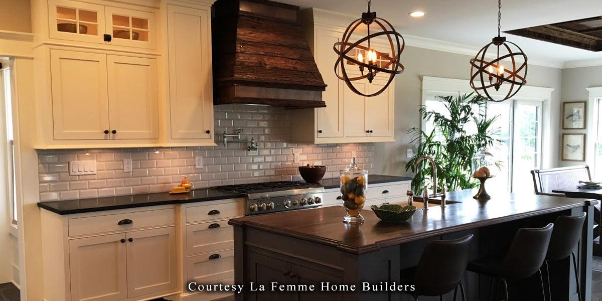La Femme Home Builders