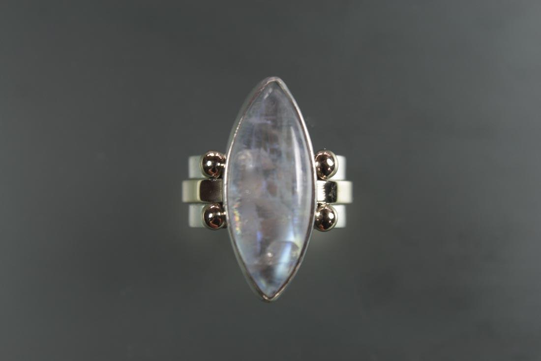 R-9840 Rainbow Moon Stone